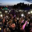 Też Gniezno. Koledzy z Myslovutz poprosili publiczność o podniesienie do góry telefonów komórkowych. Włączonych. I tak to wyglądalo. Prawda, że pięknie?