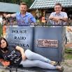Choć chyba najmilej to było w Stegnie. Bulwar Radiowej Jedynki i nasza pamiątkowa ławeczka. Ekipa w składzie Karolina Rożej, Bogdan Sawicki oraz Roman Czejarek.