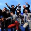 Jacek Stachursky by zdążyć korzystał nawet ze śmigłowca! Tu razem z zespołem. Fotka zrobiona na finał jego występu w Turku. Stąd leciał do Kołobrzegu.