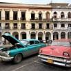Pierwszy dłuższy przystanek - Hawana. Wita nas starymi samochodami, łatanymi i ciągle na chodzie.