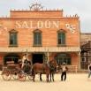 To tu Sergio Leone kręcił tzw. spaghetti westerny. Winetou, Za garść dolarów, Pewnego razu na Dzikim Zachodzie. Historia kina.
