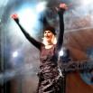 Oto Królowa polskiej estrady czyli Kora. Przychodziły tłumy by zobaczyć jak śpiewa i gra Jej zespół. Zdjęcie ze Świeradowa Zdroju.