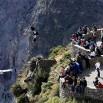 Ludzi z całego świata przyciągają krajobrazy i unoszące się nad kanionem olbrzymie kondory.