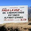 To nie cud lecz propaganda. Nawet wysoko w górach. Betonowa tablica upamiętnia zlikwidowanie analfabetyzmu.