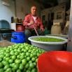 I sprzedawca oliwek, tak pysznych, jakich jeszcze nigdy nie jadłem.